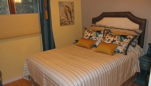 Custom bedding Courtice by Sensational Seams
